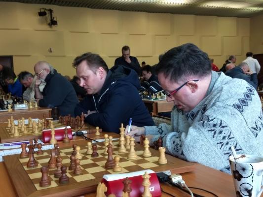 Boje na 1. a 2. šachovnici